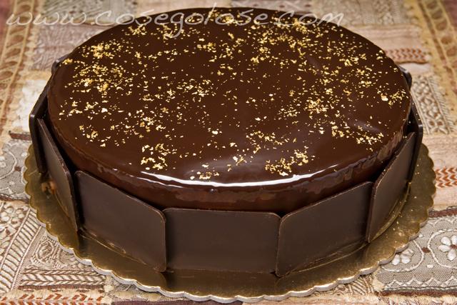 Biscotto al cacao e crema di mascarpone al cioccolato bianco