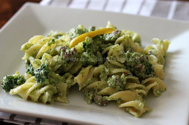 Eliche giganti ai broccoli e limone