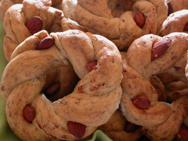taralli n'zogna (strutto) e pepe napoletani