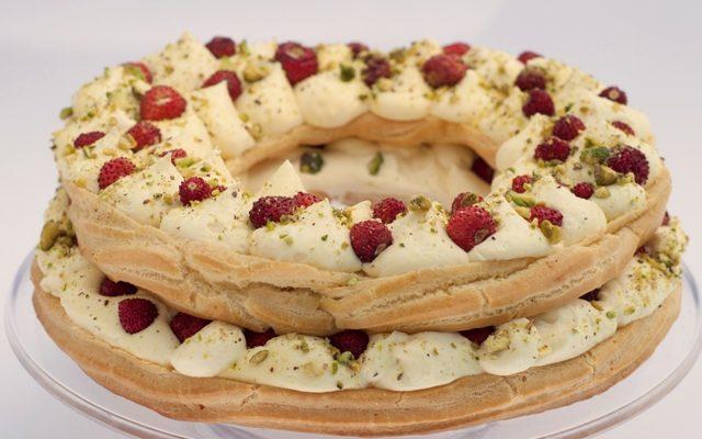 La ricetta dello Zeppolone con crema chantilly e fragoline di Antonia
