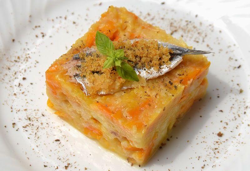 Tortino di pappa al pomodoro giallo del Vesuvio con alici e colatura